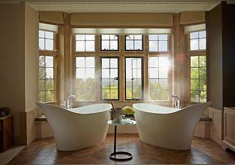Oak Suite Baths