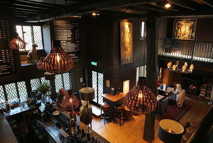 broadway-hotel-jockey-bar2-broadway-worcestershire-cotswolds-uk.jpg