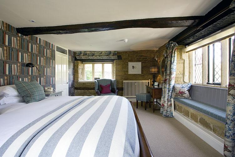 broadway-hotel-bedroom-broadway-worcestershire-cotswolds-uk.jpg