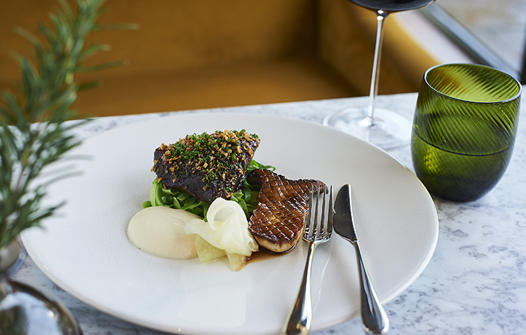 Braised beef cheek, pointed cabbage, cauliflower purée, king oyster mushroom