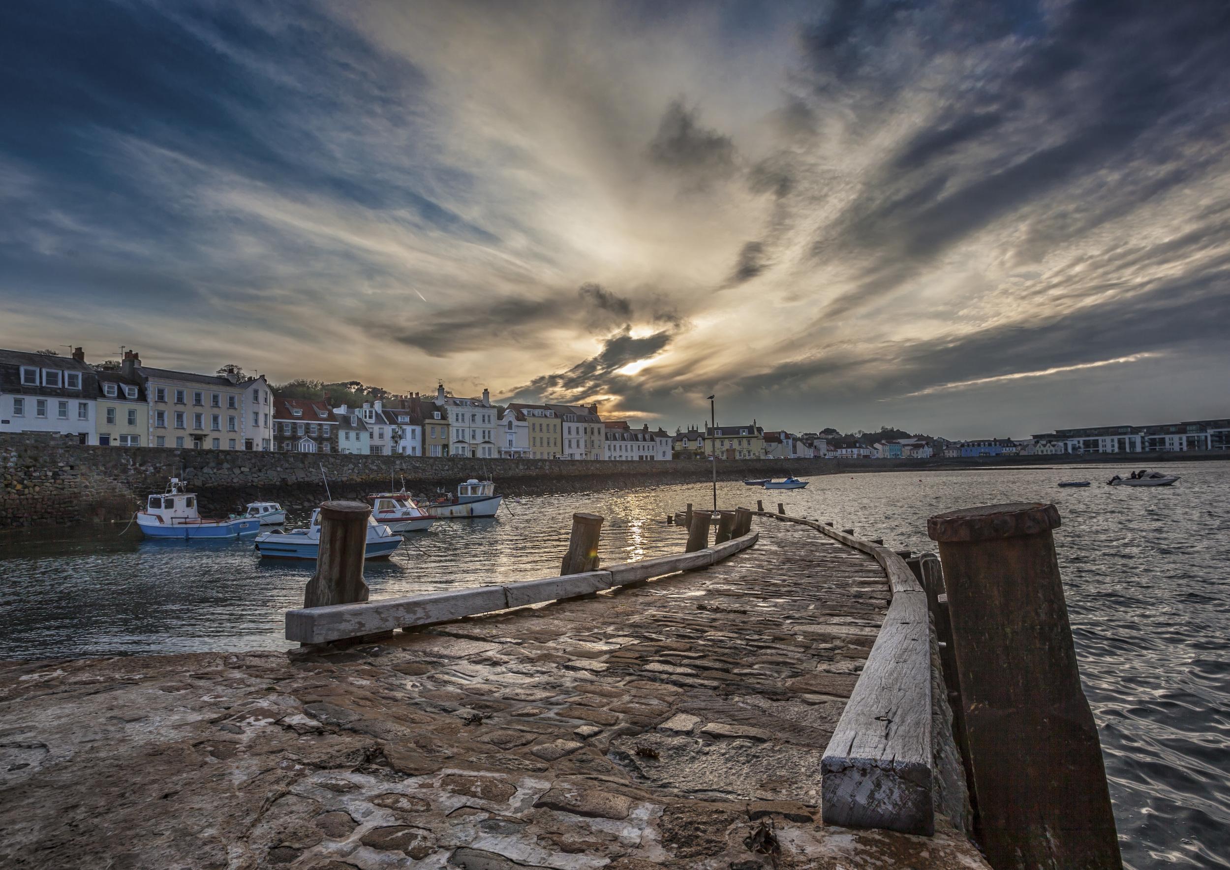 pier grey sky.jpg