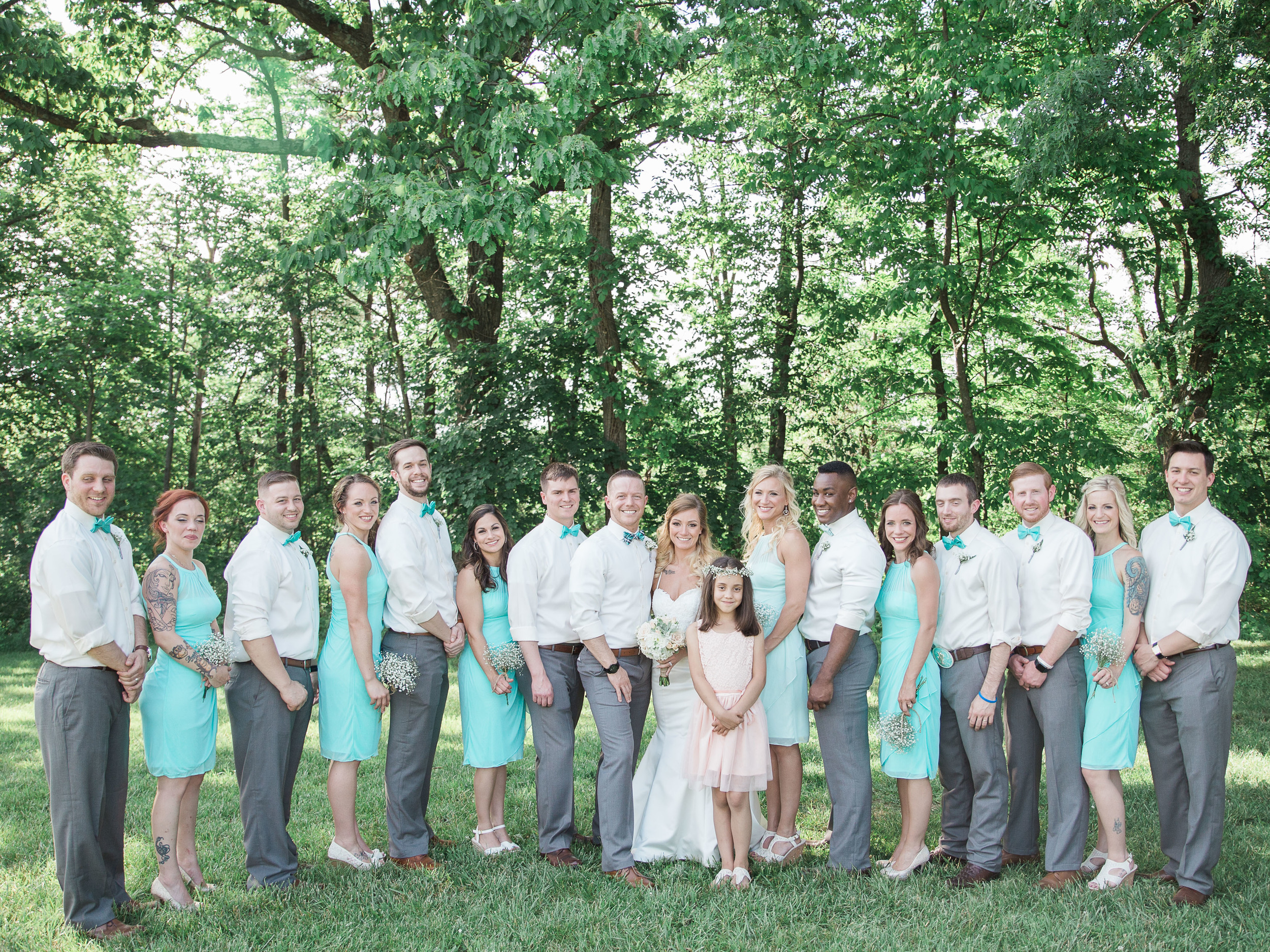 bridal party at monterre vineyards