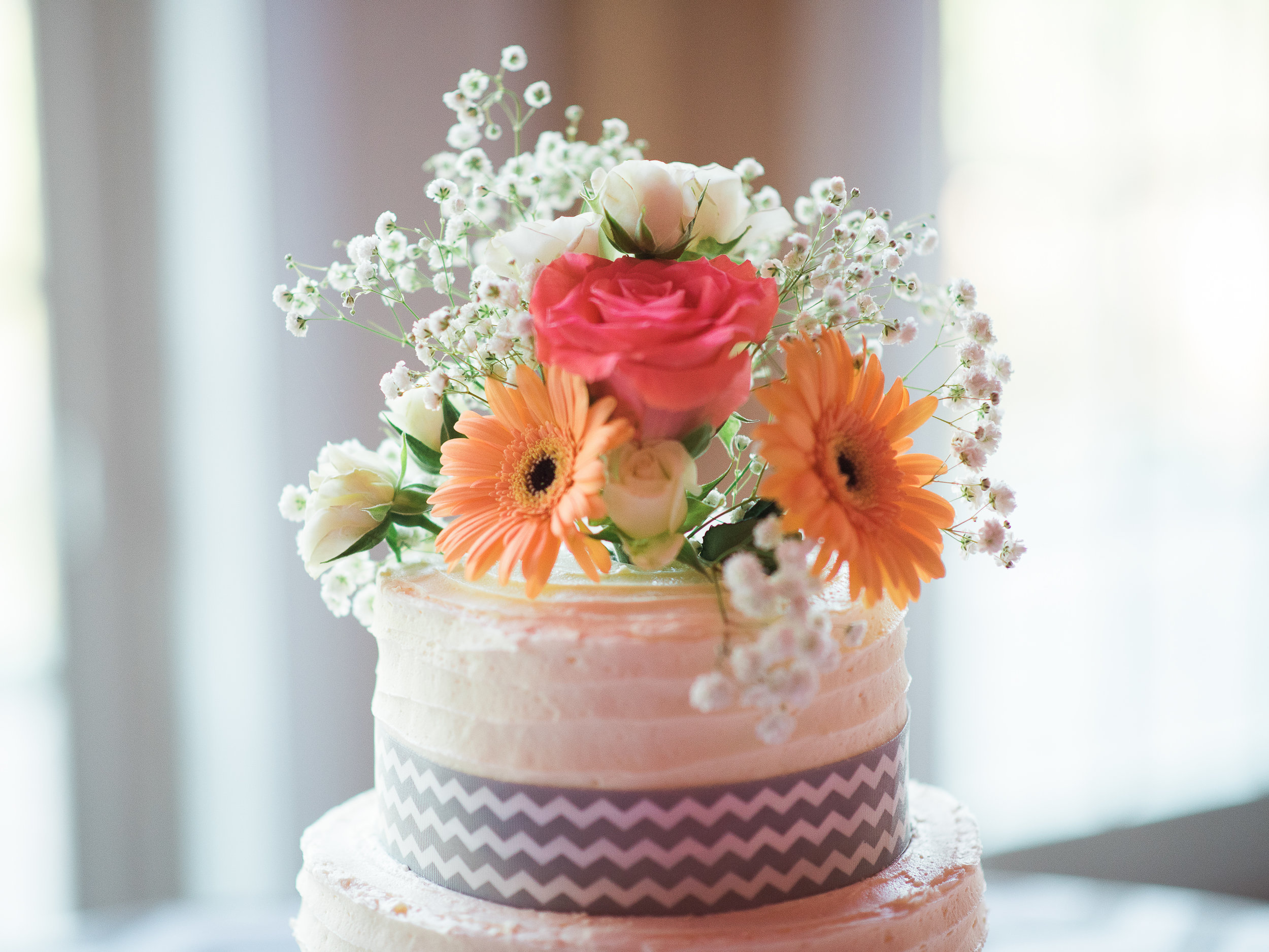 wedding florals on cake
