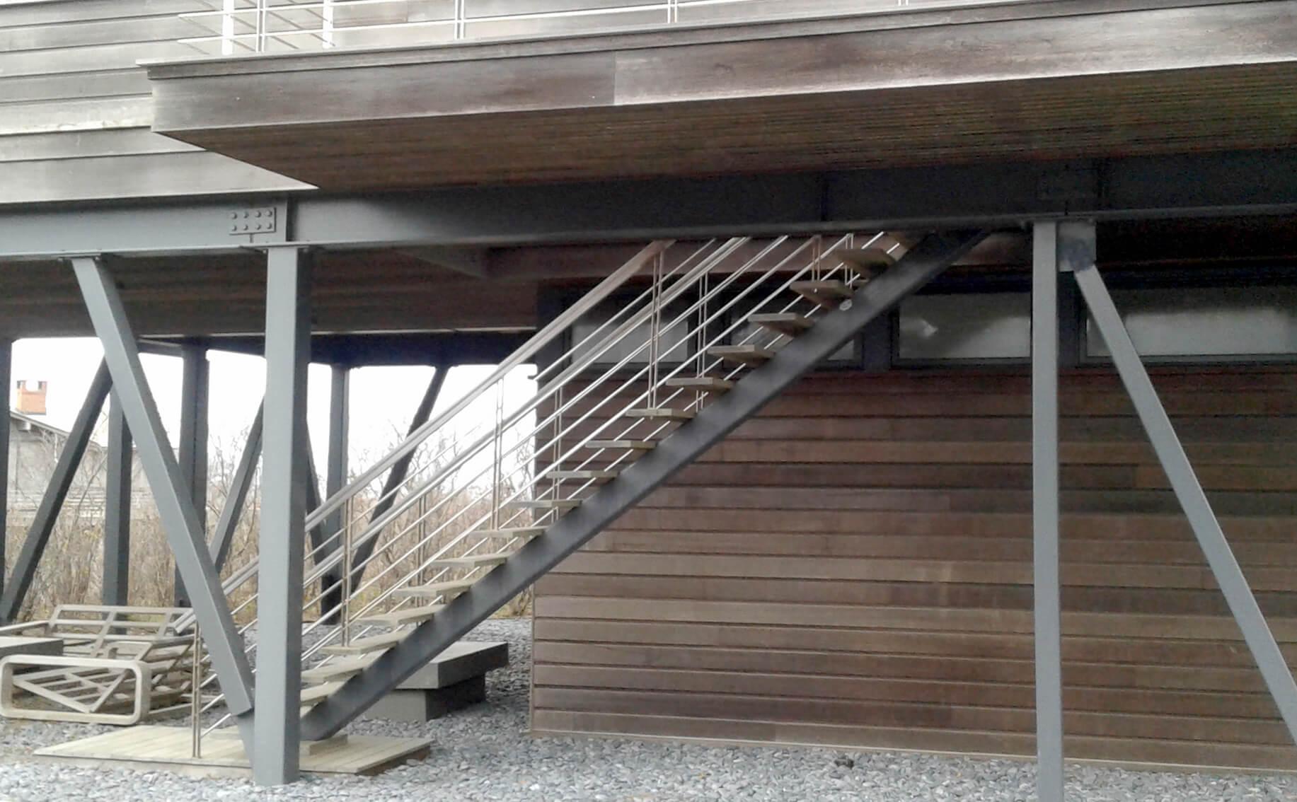 Tubular Steel Single Stringer Stair