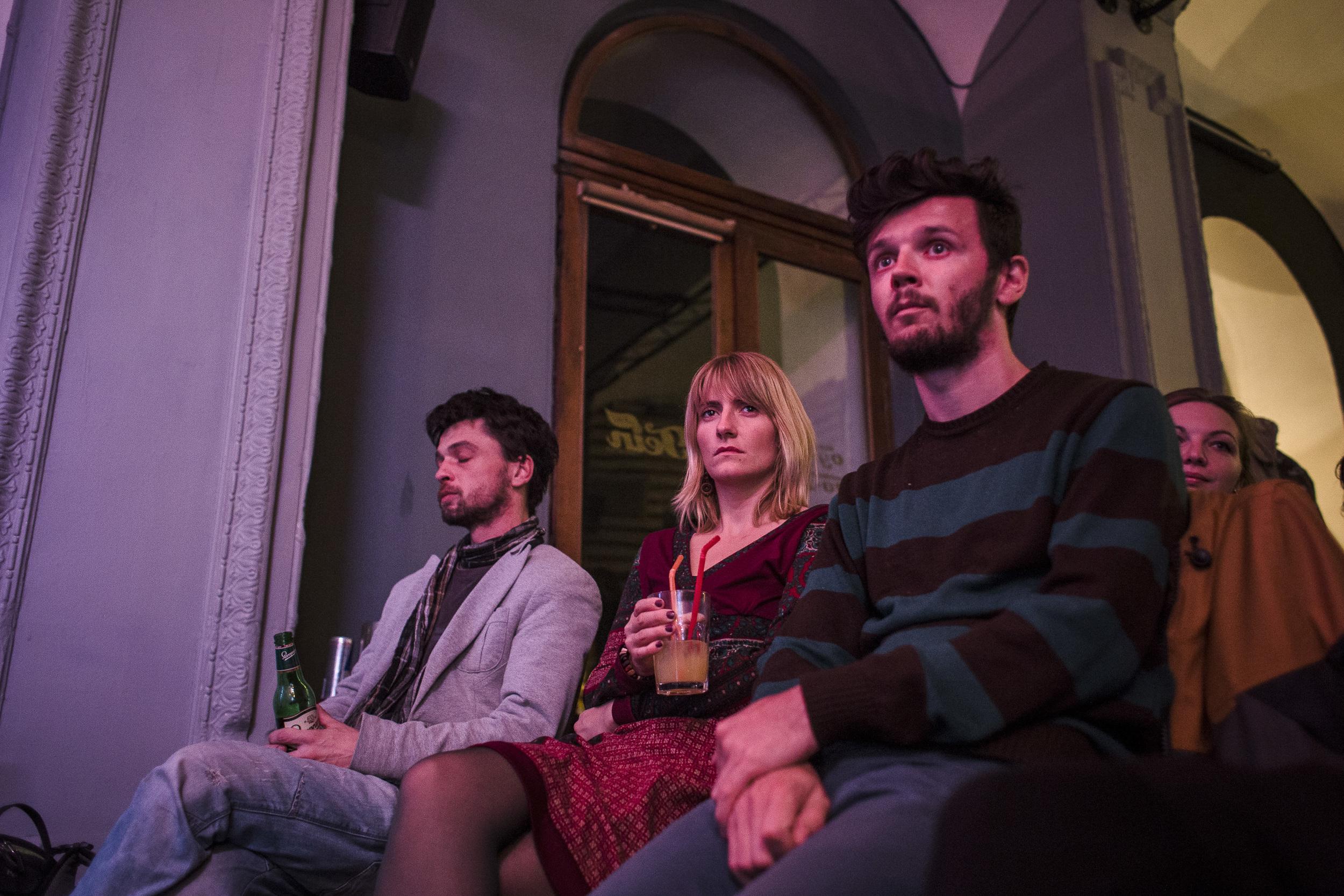 Székely közönség Sepsiszentgyörgyön, a Tein kávézóban.