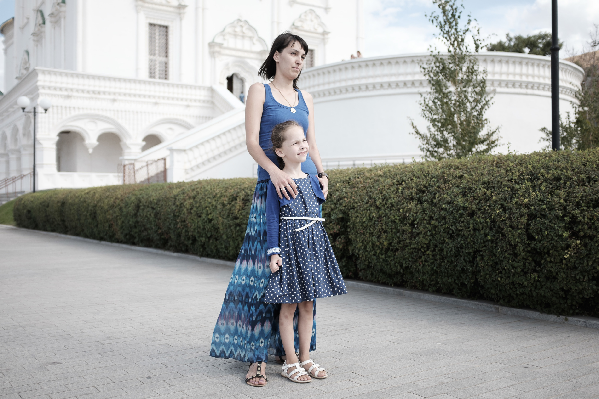 Mother and daughter at Kremlin, Astrakhan