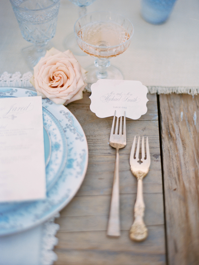 Photo c/o  Grey Likes Wedding