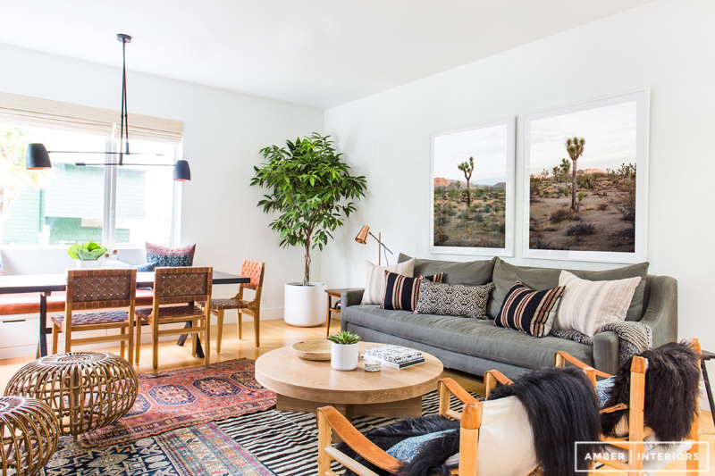 What I love about this Amber Interiors Design is the atmosphere. This room exudes freshness + livability, without being stuffy or too clean. Mixing textures with clean lines, simple decor + statement pieces creates the perfect balance of excitement + serenity.