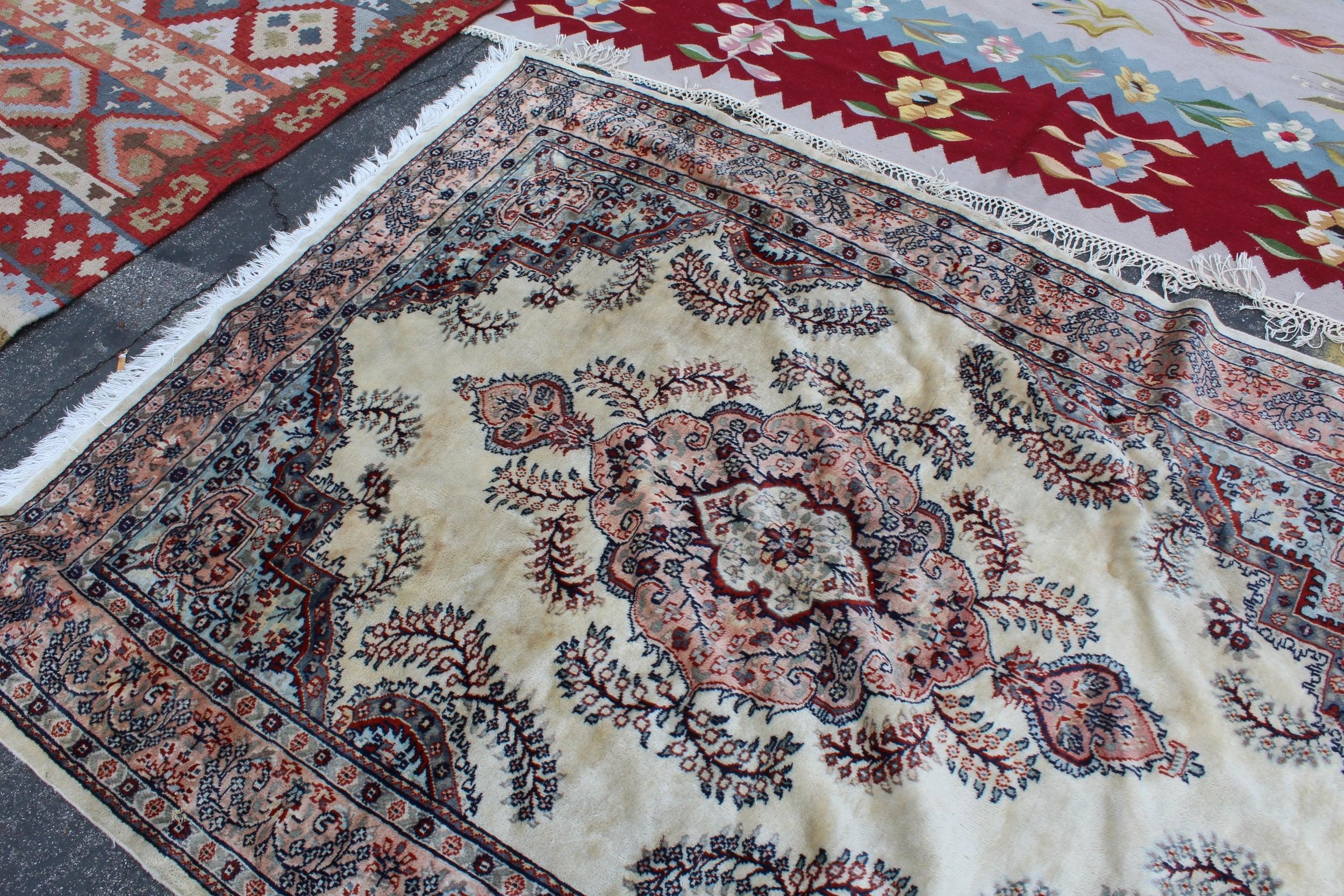 Textiles + Rugs | Rose Bowl Flea Market | Los Angeles | Interior Design | www.foundandkept.com