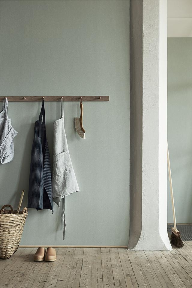 Pale Green Wall | Simplicity | Interior Design | www.foundandkept.com