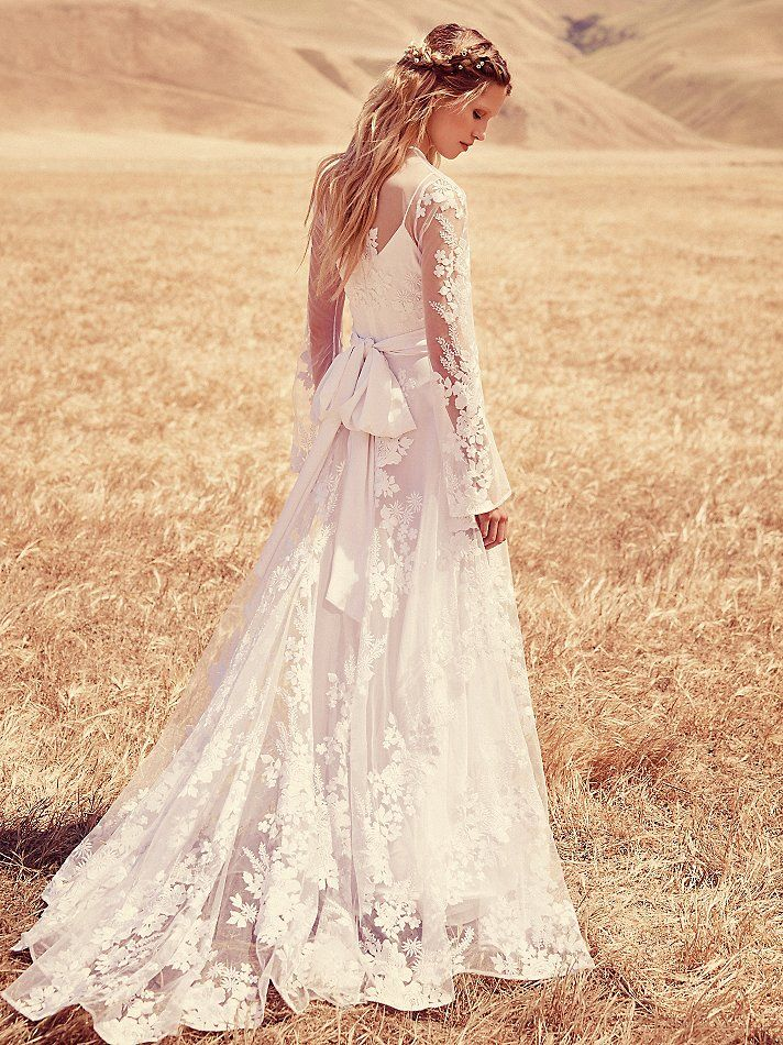 Bohemian Dress | Free People | Wedding Dress | www.foundandkept.com