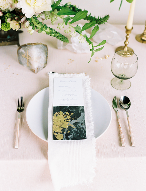 Agate Inspired Table Setting + Tablescape | Wedding Design | www.foundandkept.com