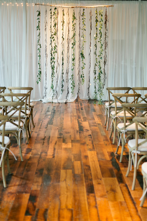 Simple Green Modern Garland Backdrop | Ceremony Backdrop | Wedding Design | www.foundandkept.com