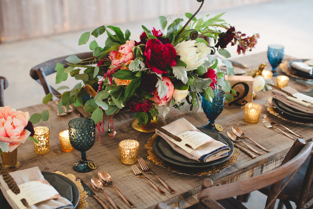 Deep Red + Blue Inspired Table Setting + Floral Centerpiece | Wedding Design | www.foundandkept.com