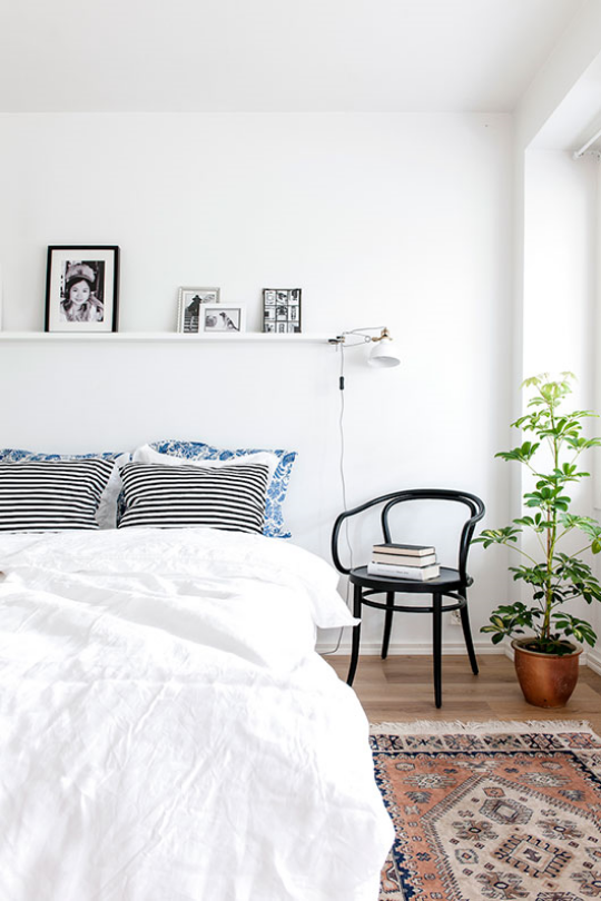 To balance out the funkiness of your rugs, pillows + or art, I like to keep the light fixtures simple. Mid-century inspired or industrial, these are both great styles that compliment bohemian decor.