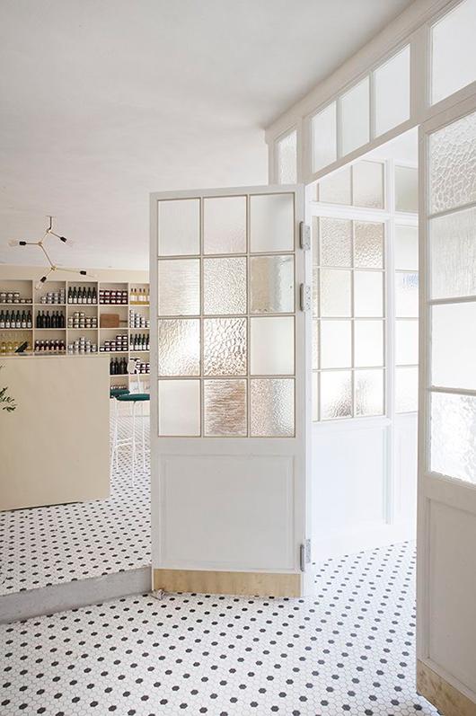 Black + White Floors | Friday Faves | www.foundandkept.com