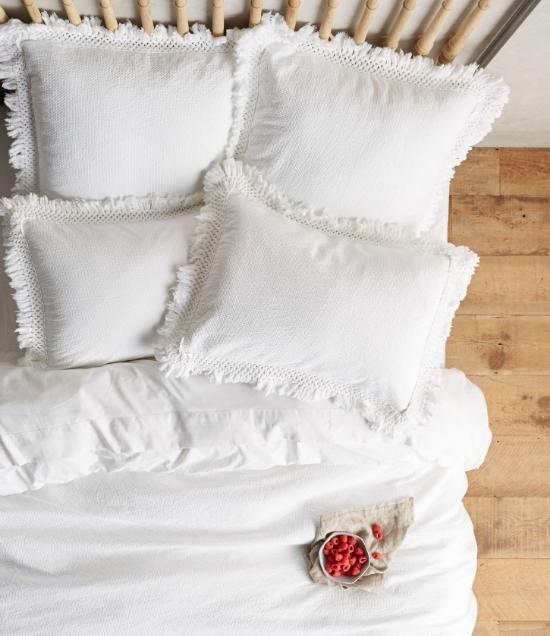Friday Faves   Dreamy Bedding Sets   www.foundandkept.com