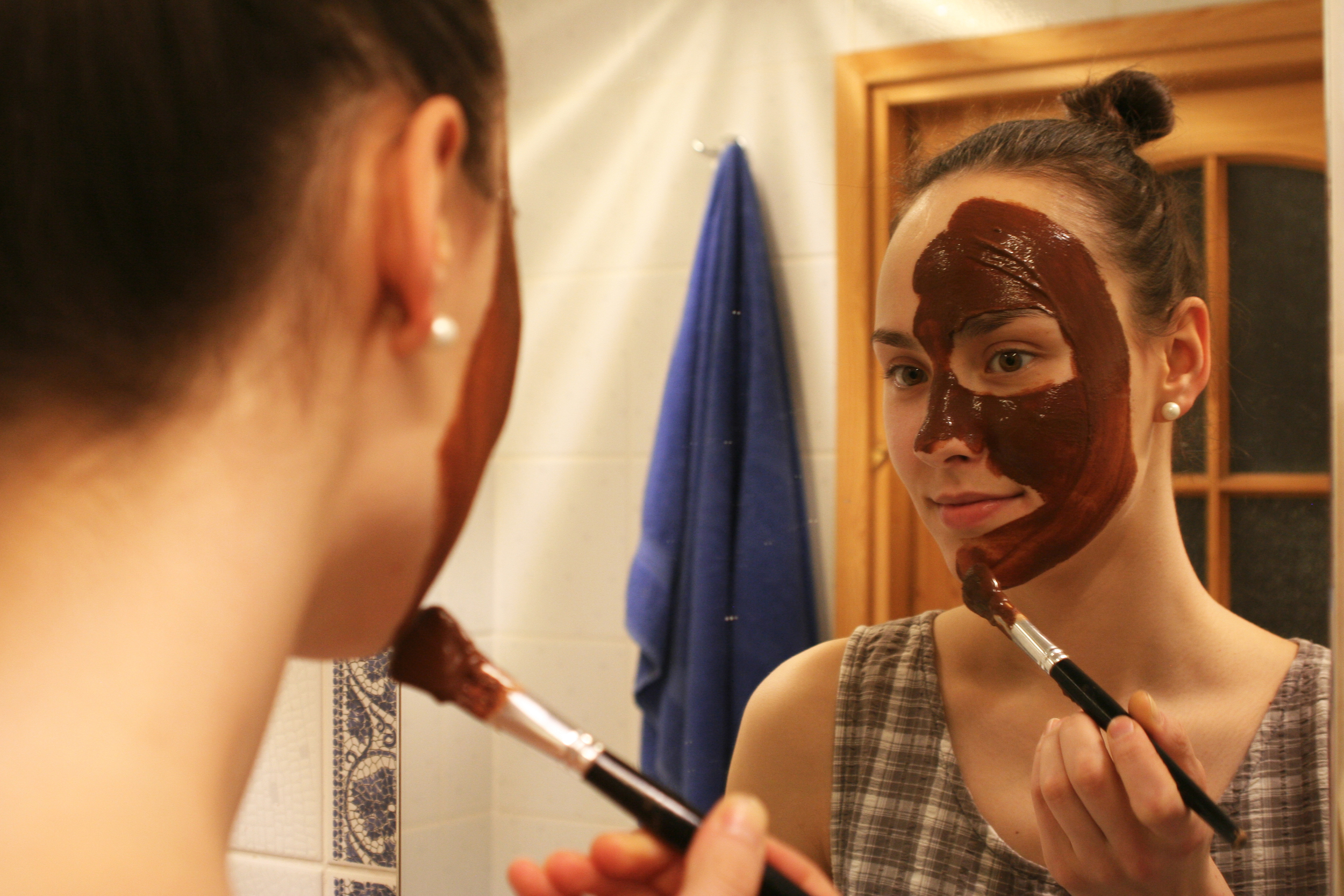 Apply the mixture on your face