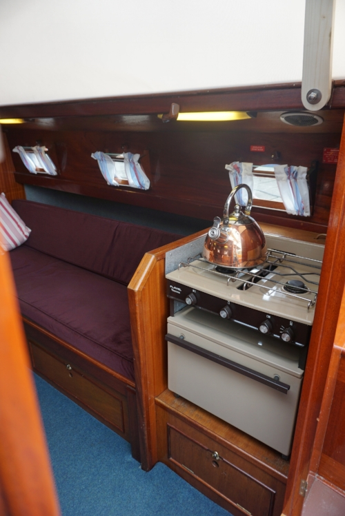cooker traditional sailing yacht.JPG