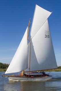 Bright-Spark-classic-yacht-charter.jpeg