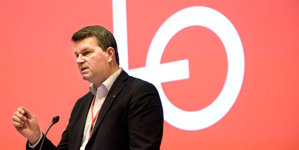 LO-leder Hans-Christian Gabrielsen fordømmer drapene på rundt 30 demonstranter, skriver han i et brev til den israelske ambassadøren i Norge.