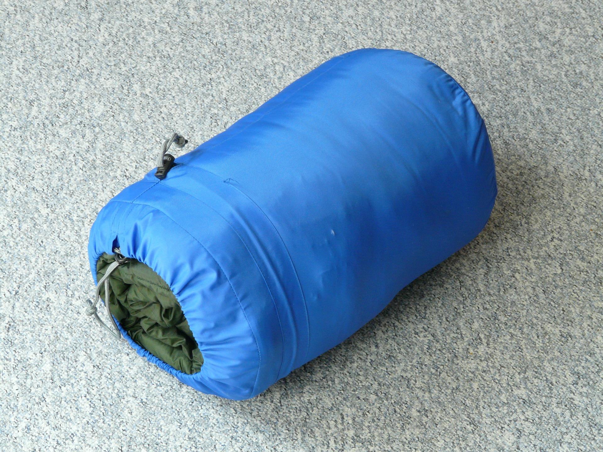 sleeping-bag-59653_1920.jpg