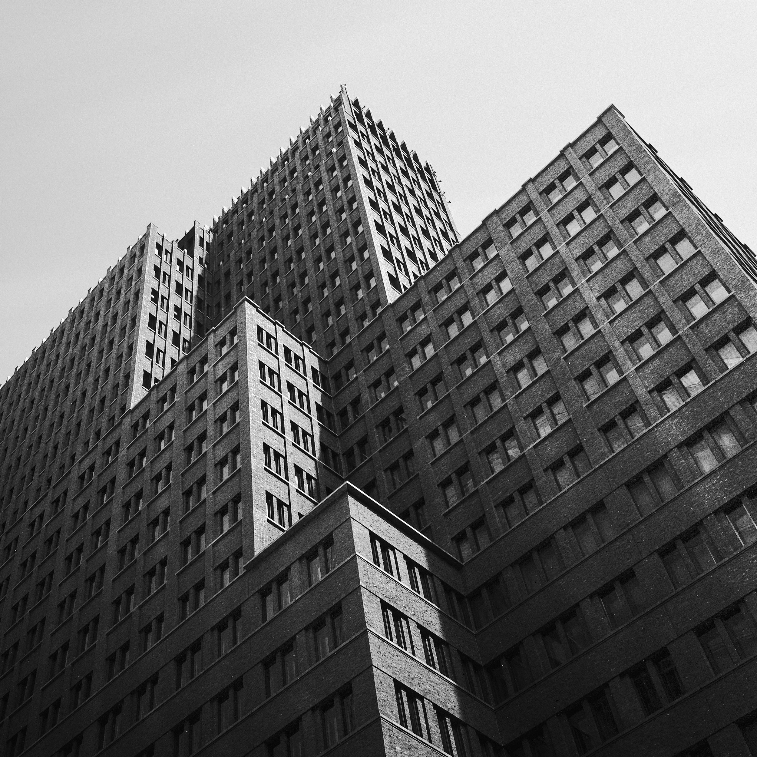 STARING AT BUILDINGS - BLACK & WHITE ARCHITECTURE