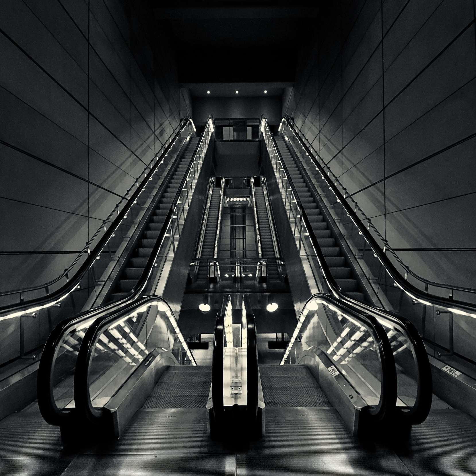 ESCALATOR STUDIES - BEAUTIFUL BLACK & WHITE ESCALATORS