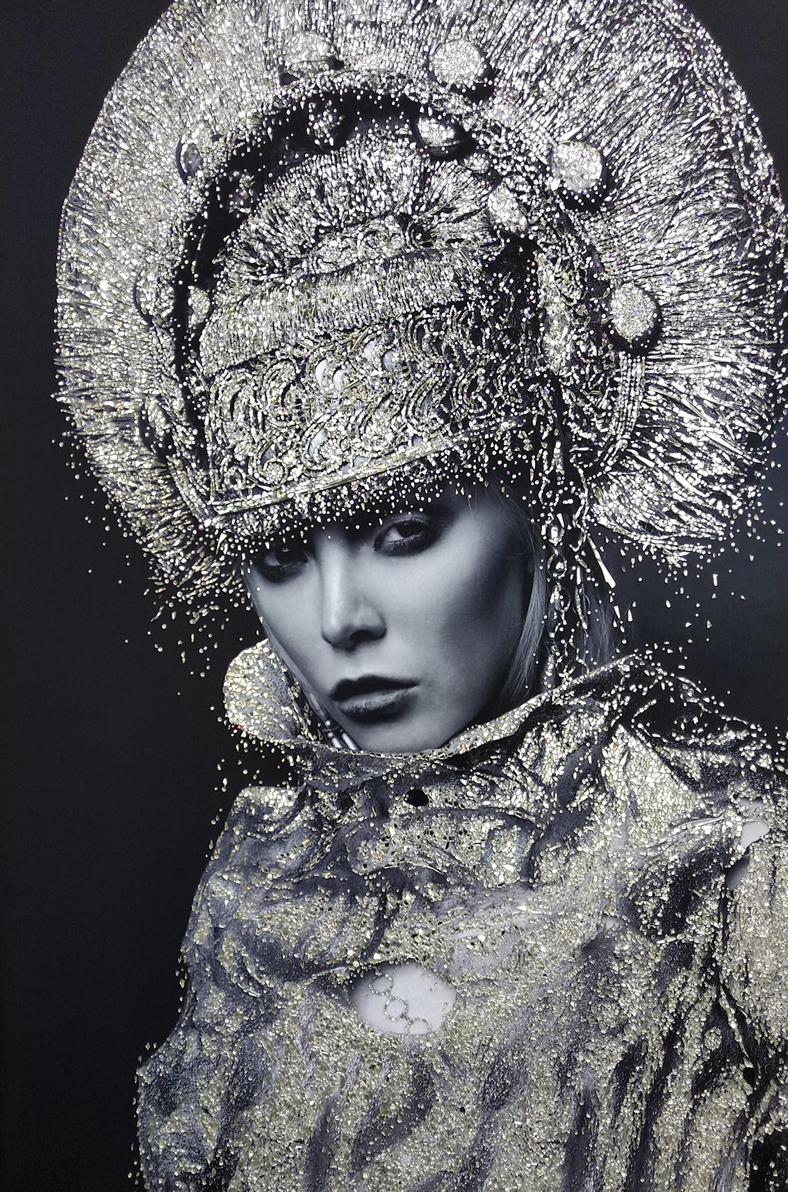 Regina guerriera - VanitartCollezione Le Regine GuerriereMisura 100x150 cmLavorazione in cristalli Swarovski e Specchi