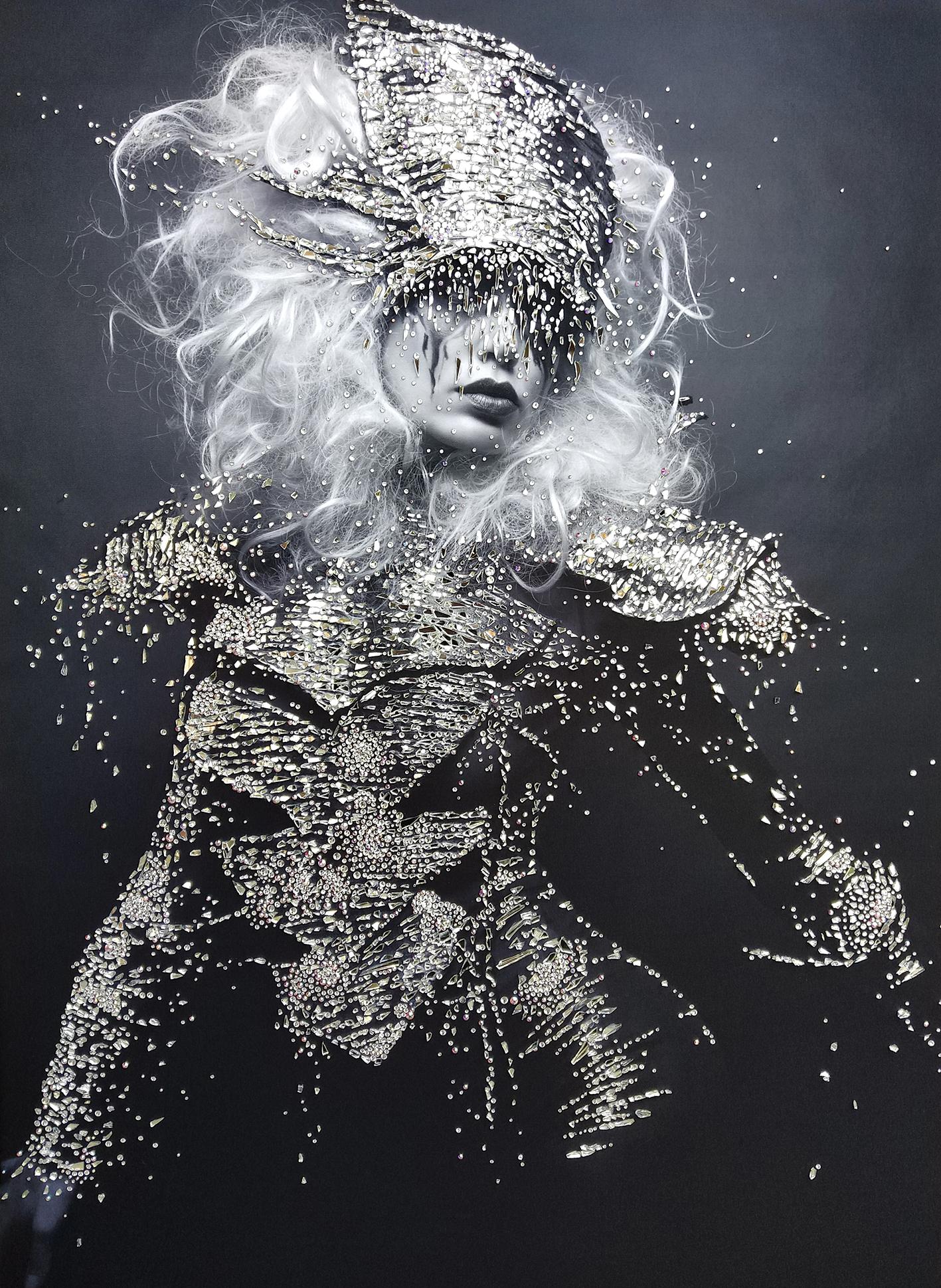 TEMPO - VanitartCollezione Le Regine GuerriereMisura 80x120 cmLavorazione in cristalli Swarovski e Specchi