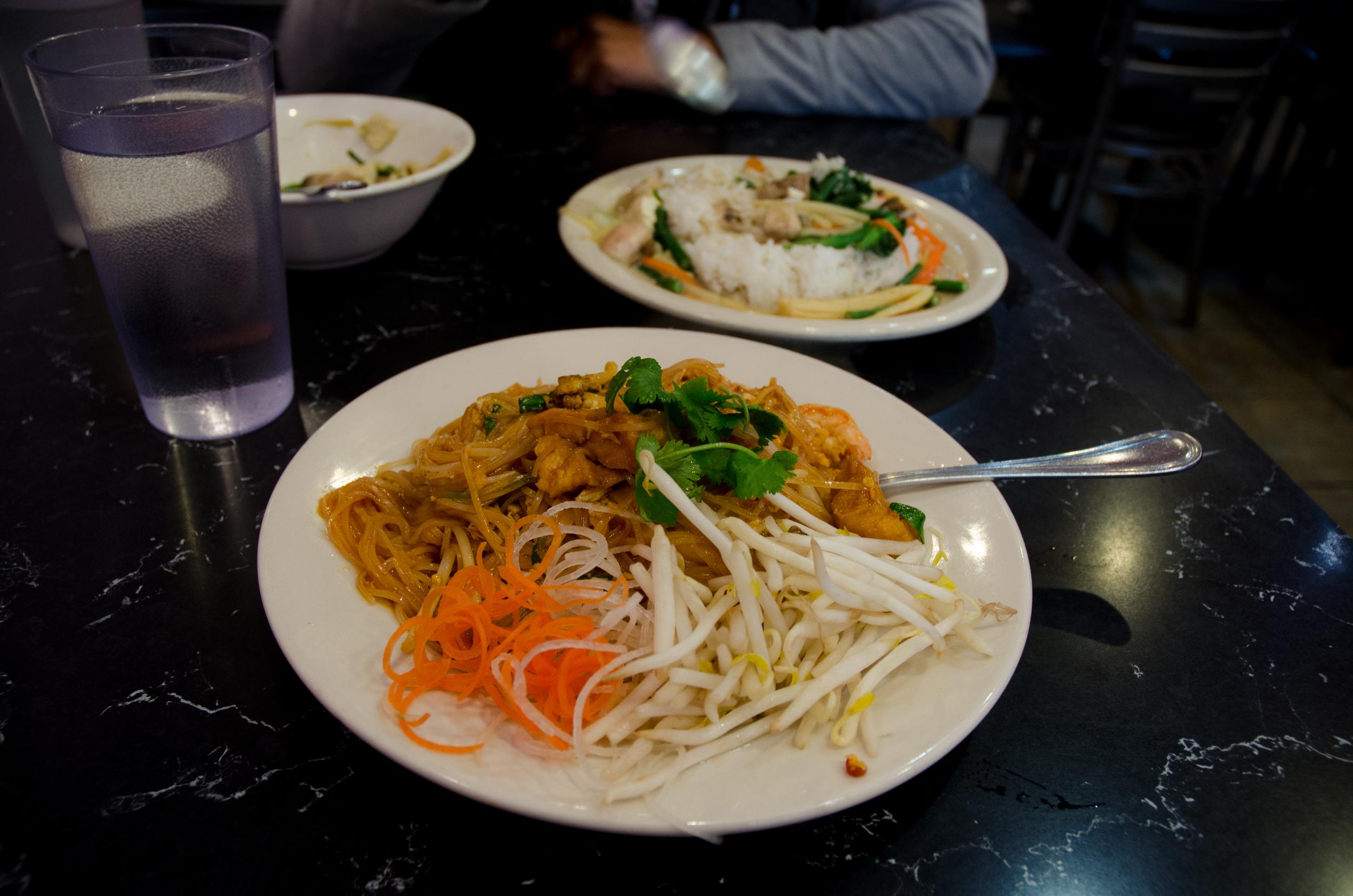 King of Thai - Chicken Pad Thai