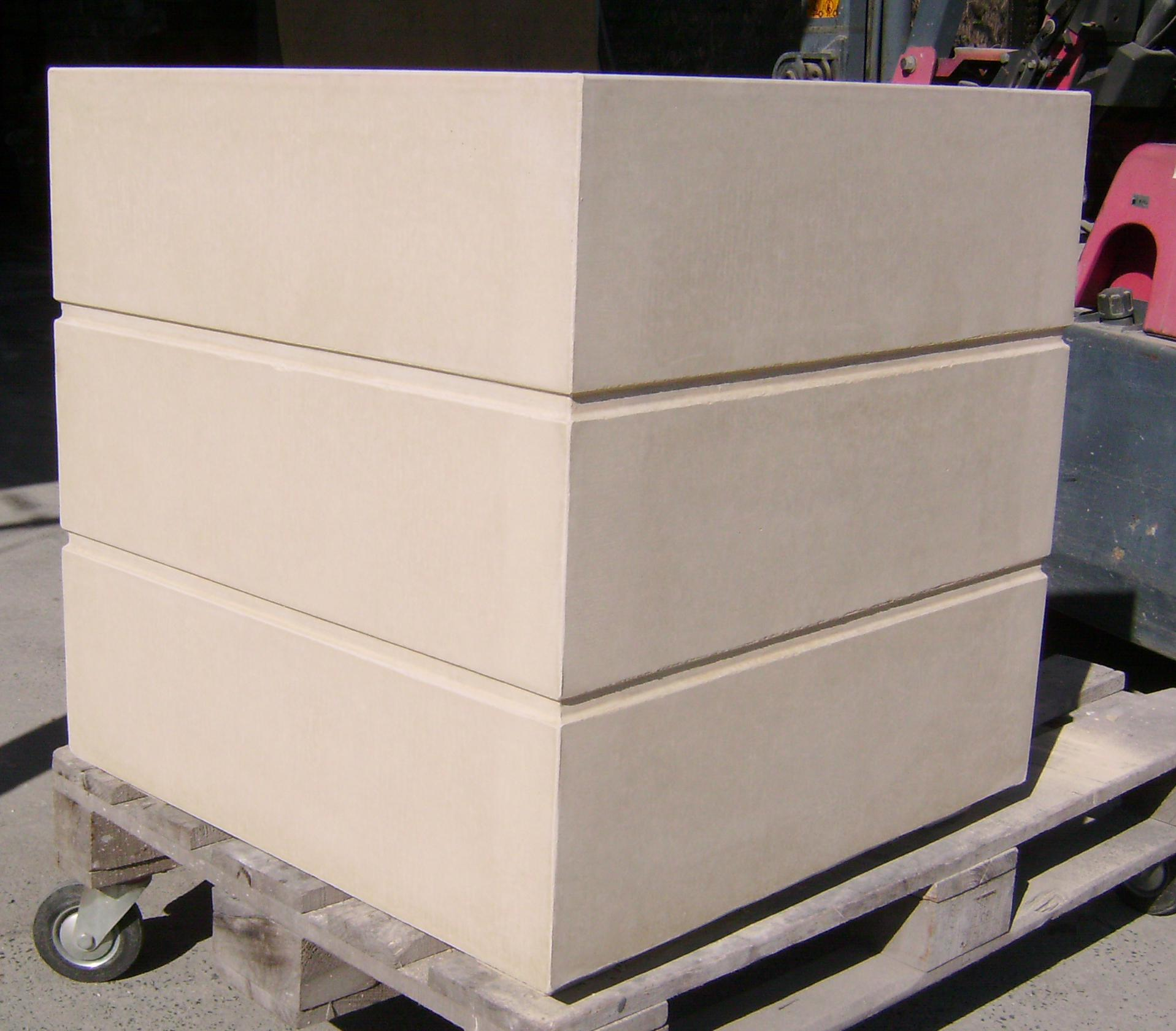 MakMax planter-box.JPG