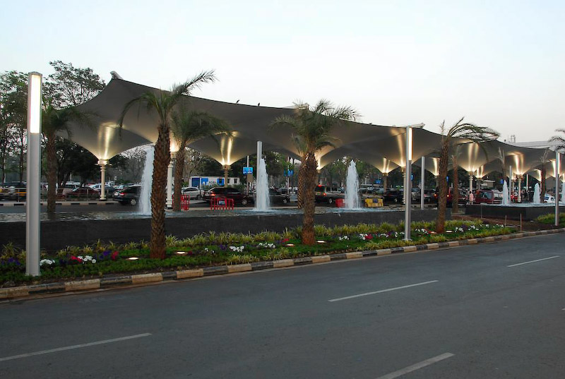 2008 - Mumbai International Airport - St Tropez (extra) 4.jpg