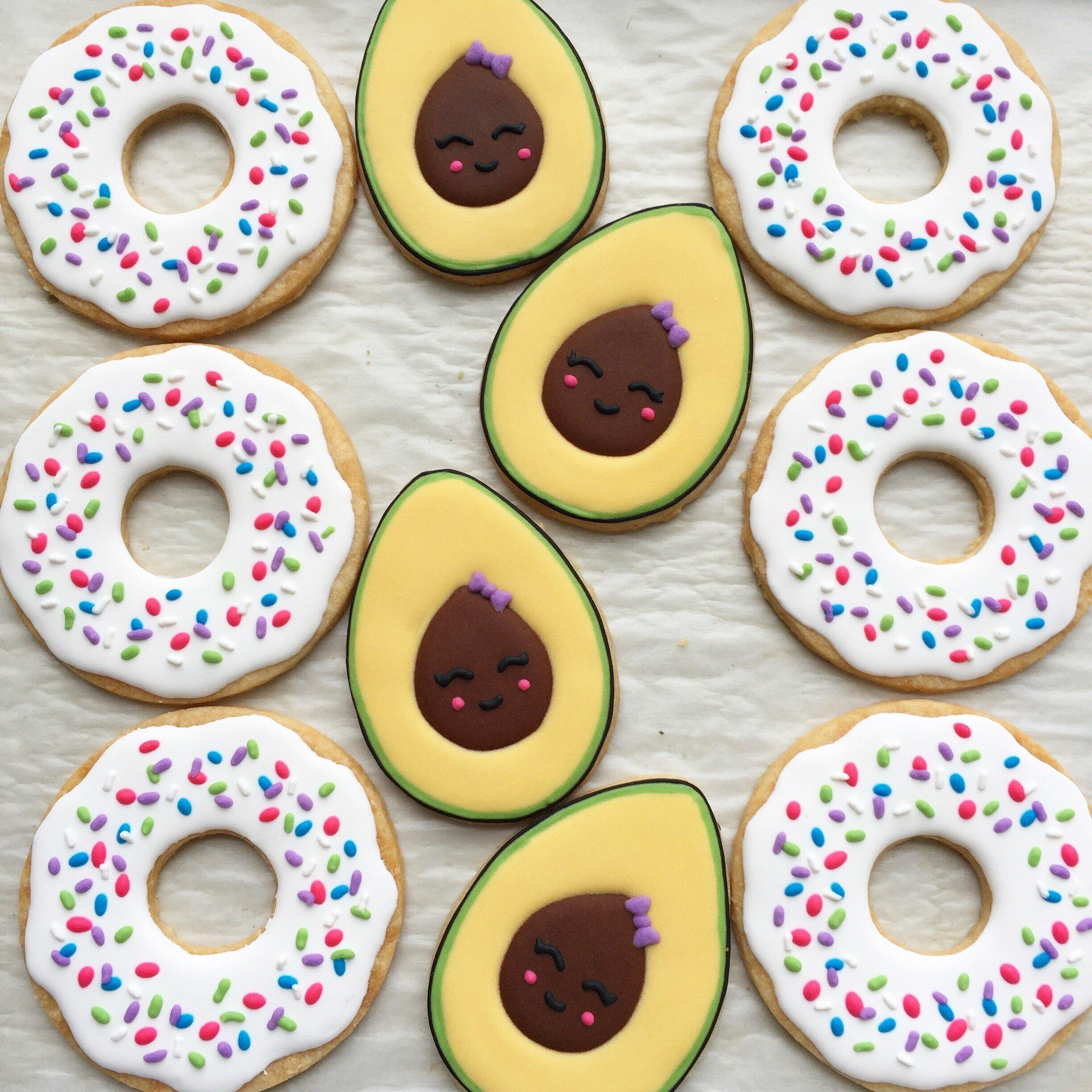 Avocado-donut_C382650C-F733-4AAA-A6E1-CD1406C42794.jpg