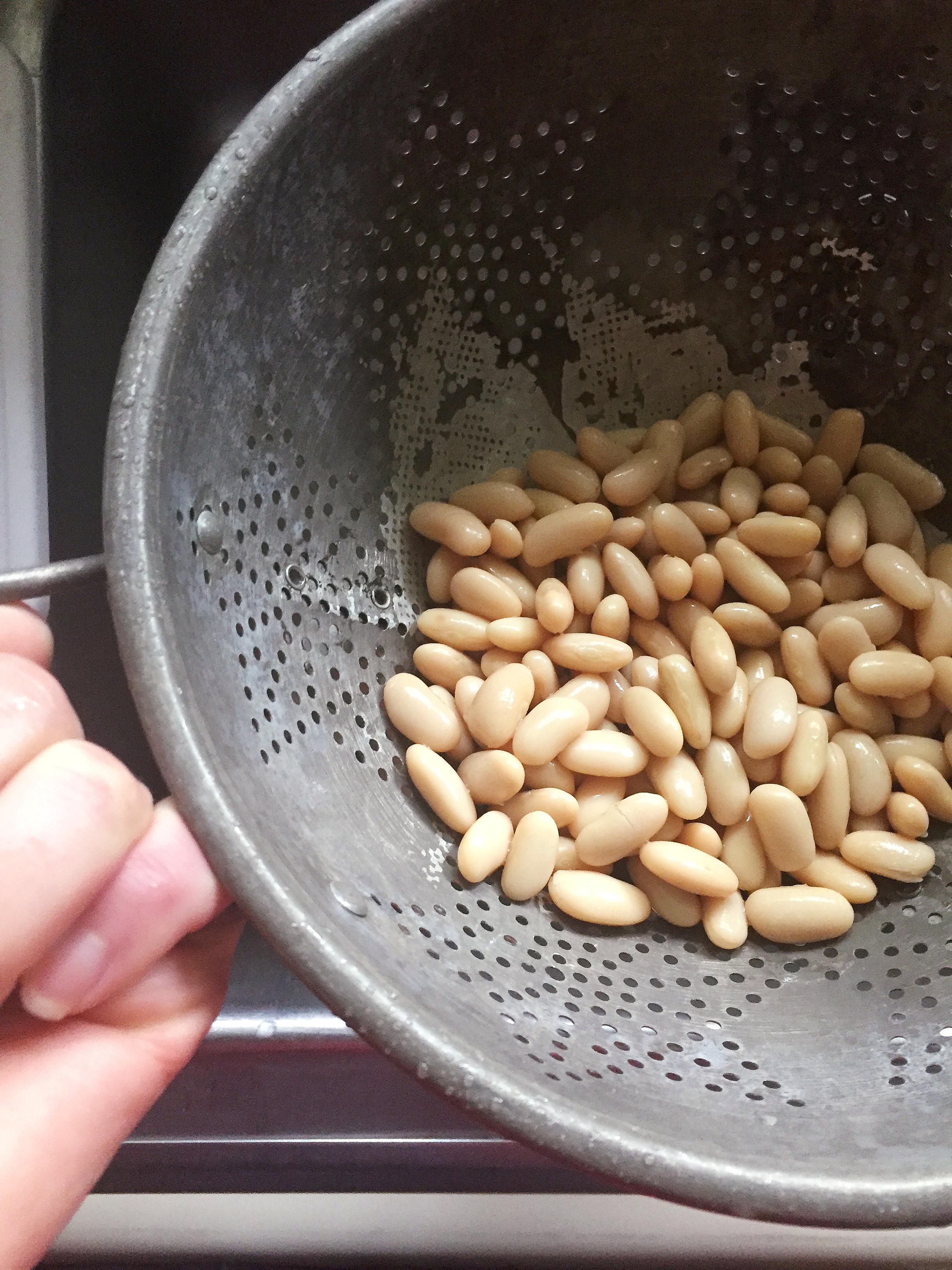 Sigh.A beauteous bean.