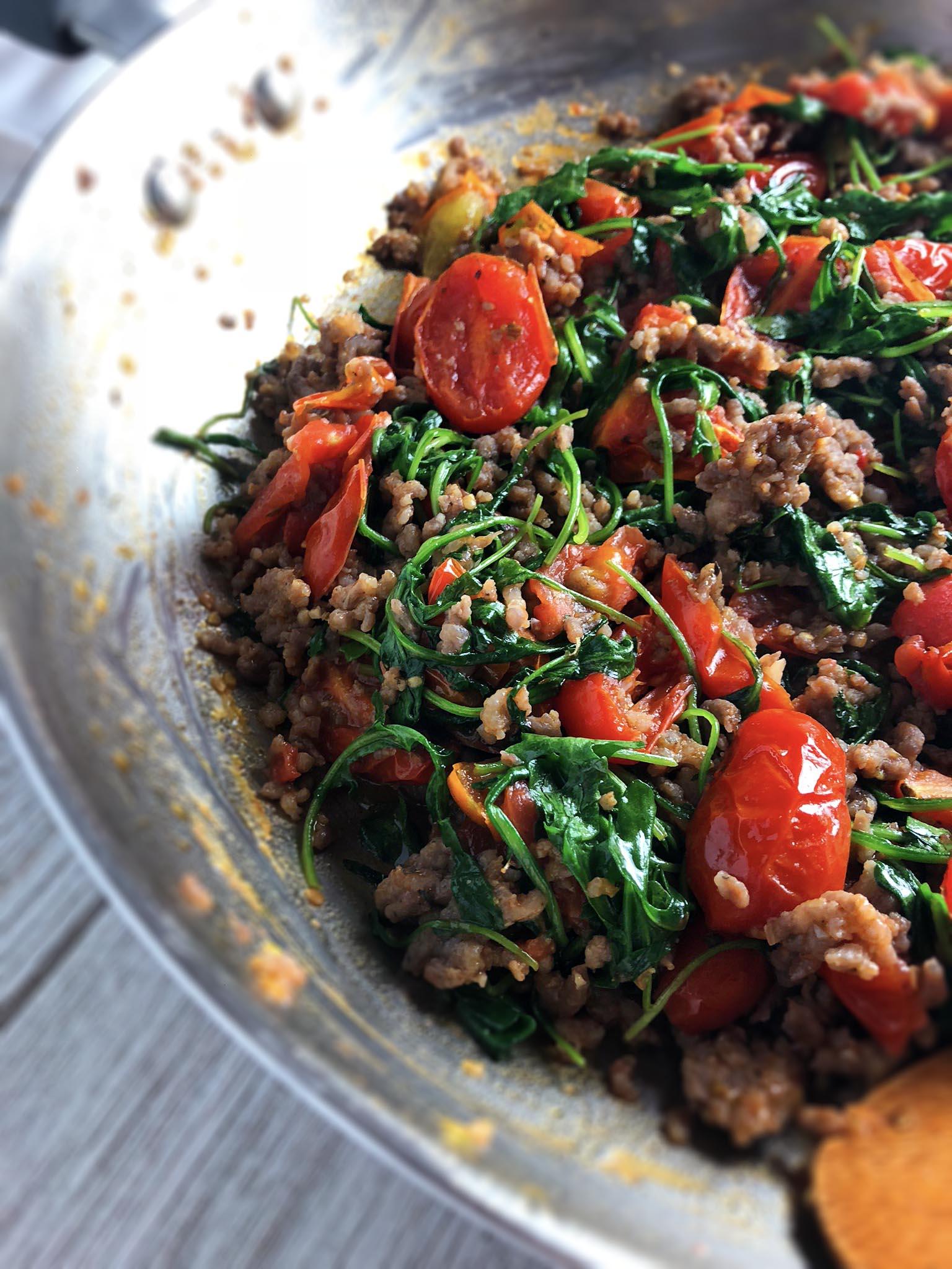 cheesy_fusilli_with_tomatoes_sausage4.jpg
