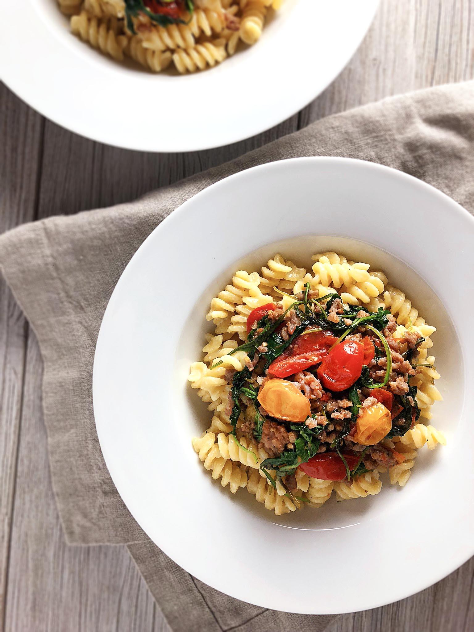 cheesy_fusilli_with_tomatoes_sausage11.jpg