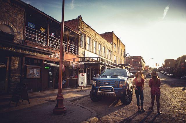 Stockyards - Fort Worth, TX . . #fortworth #seefortworth #fortworthstockyards #texas #texas🇨🇱 #travelusa #travelusa #travelphotography #travel #travelgram #cowgirls #lifestyle #lifestylephotography #moody #moodygrams #moodyphotography #usa #americana #sheexplores #girlgetoutside #neverstopexploring #western #westernstyle