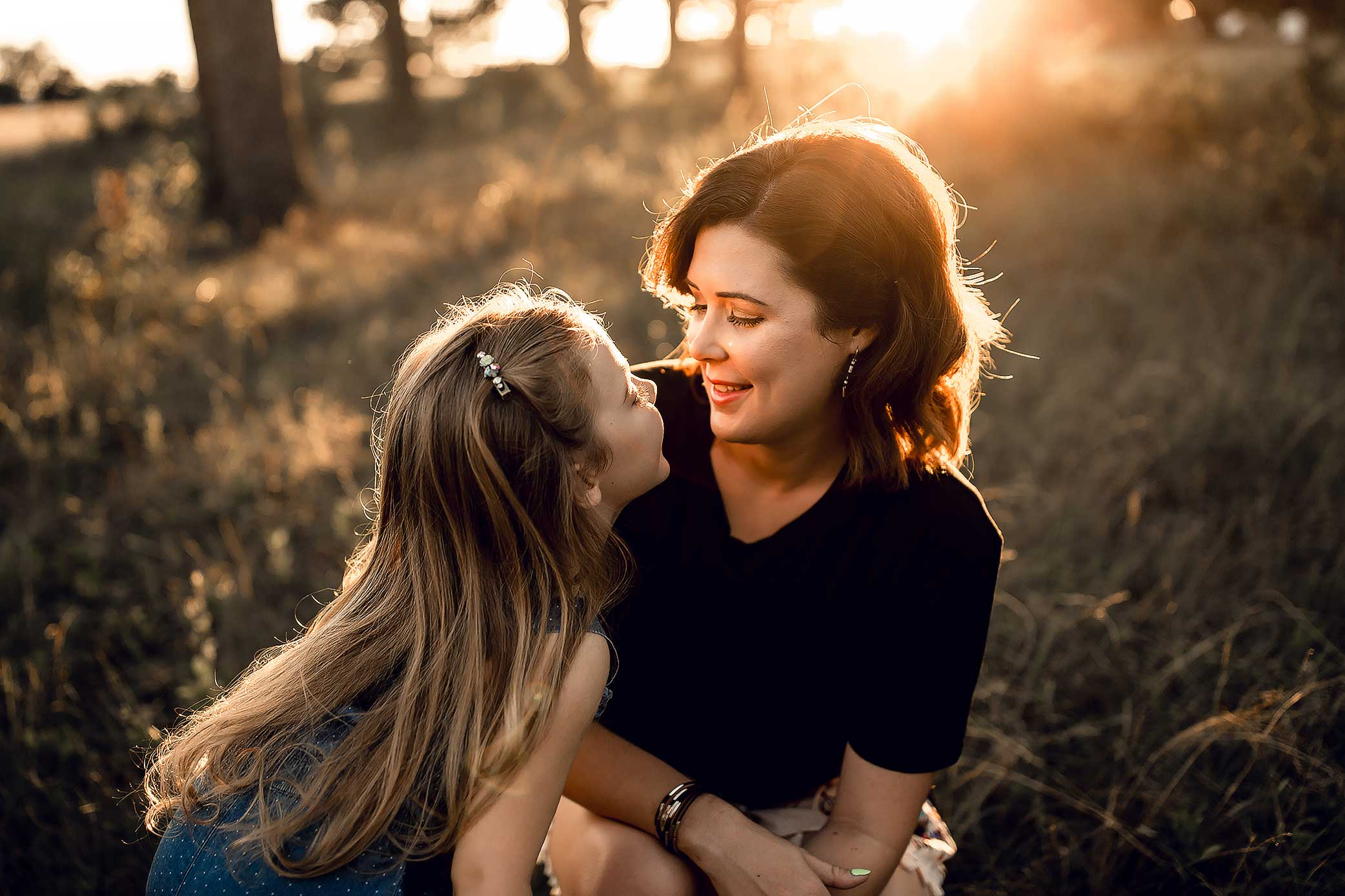 shelby-schiller-photography-mommy-and-me-pictures-at-sunset.jpg