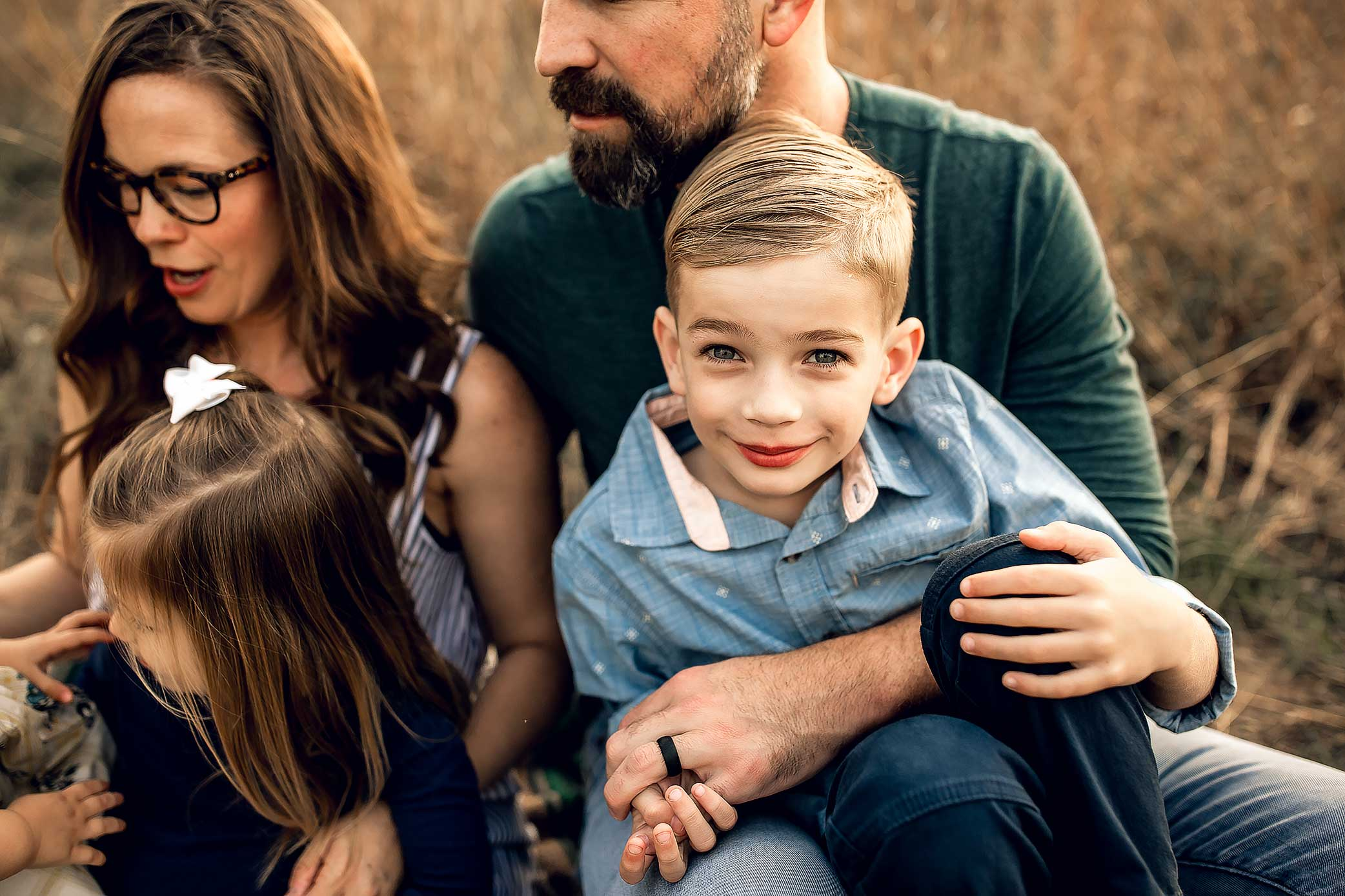 shelby-schiller-photography-lifestyle-family-session-with-3-kids-spring-2019-green-blue-yellow-college-station-29.jpg