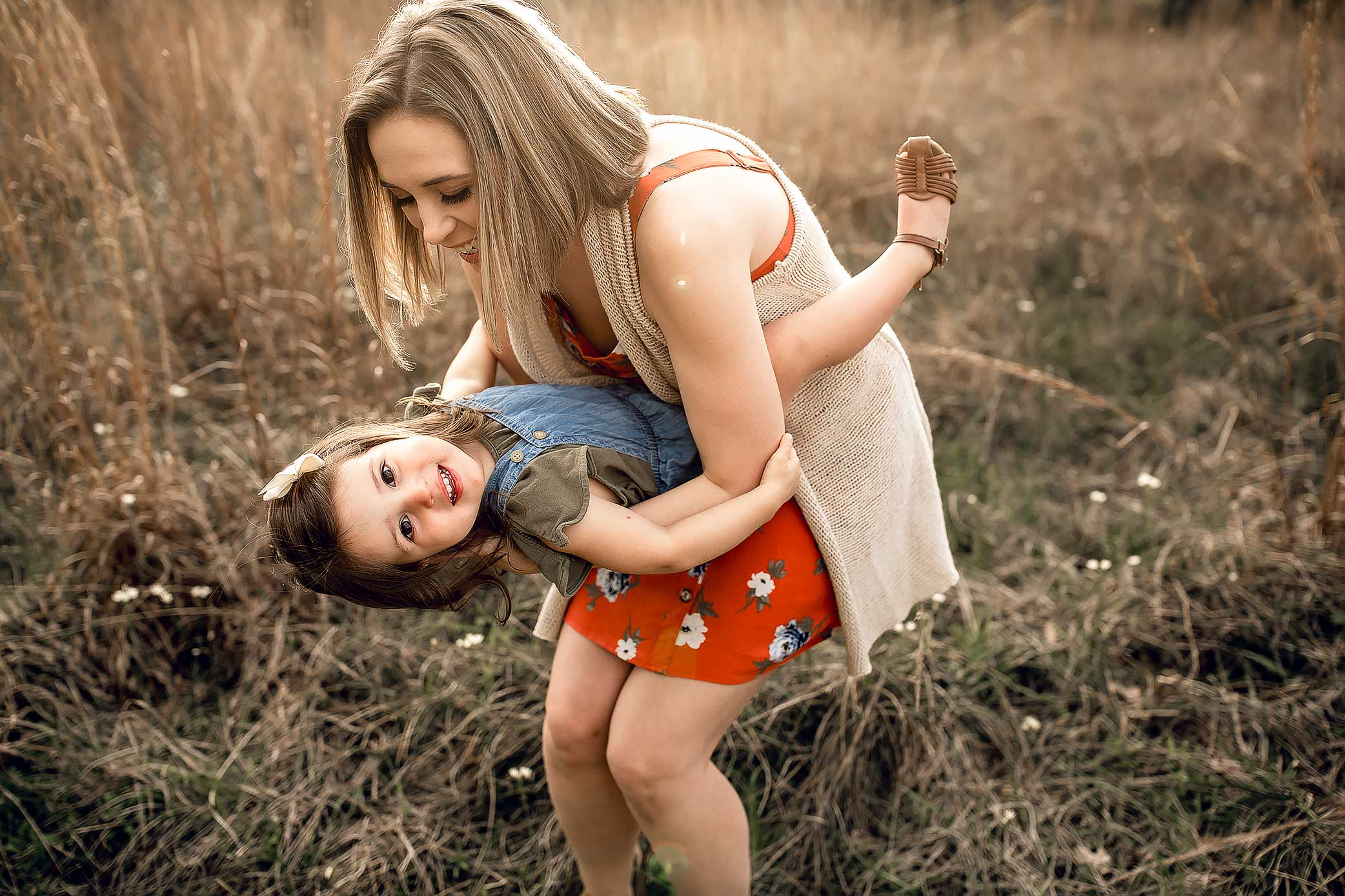 shelby-schiller-photography-sunset-family-pictures-spring-2019-2.jpg