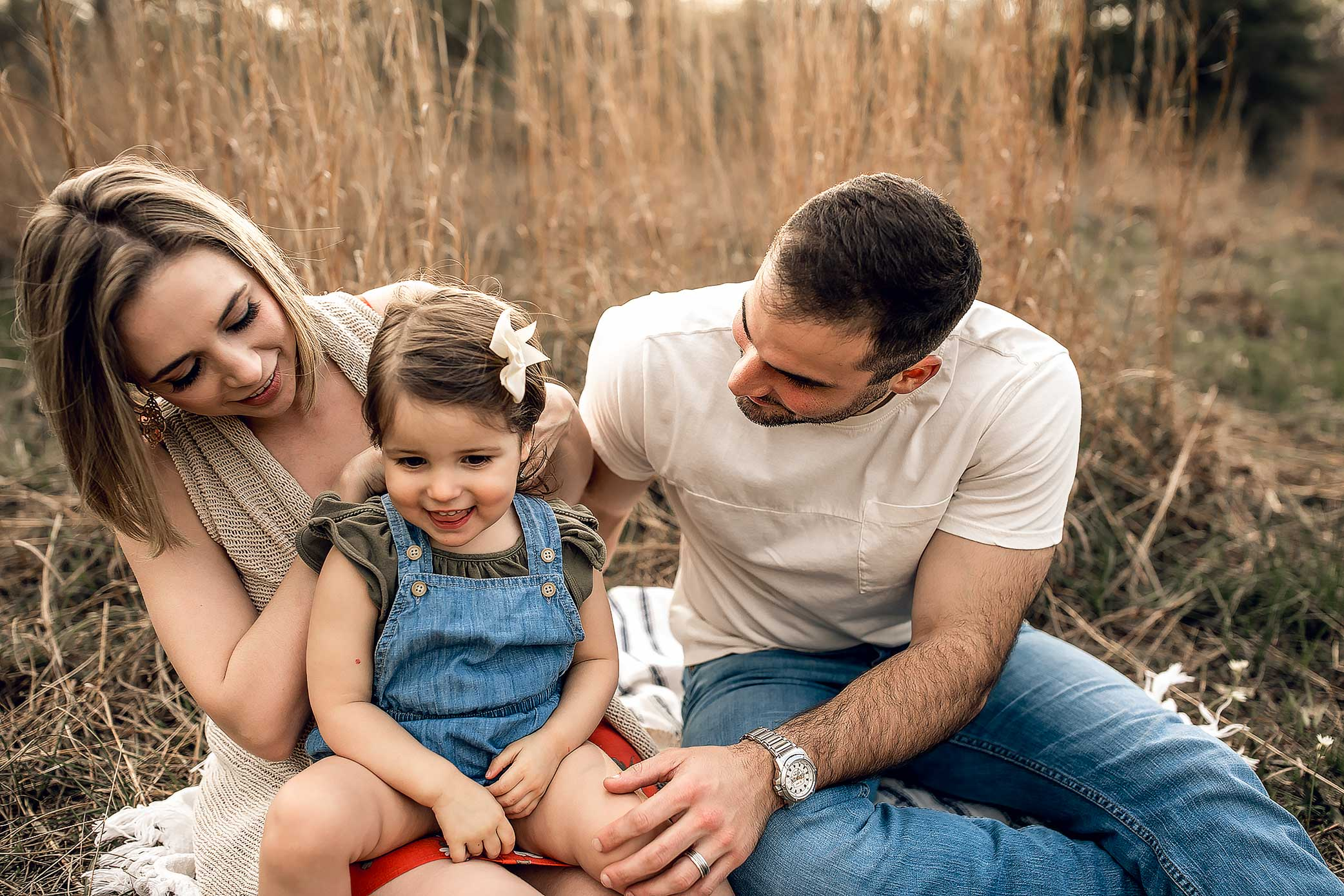 shelby-schiller-photography-sunset-family-pictures-spring-2019-5.jpg