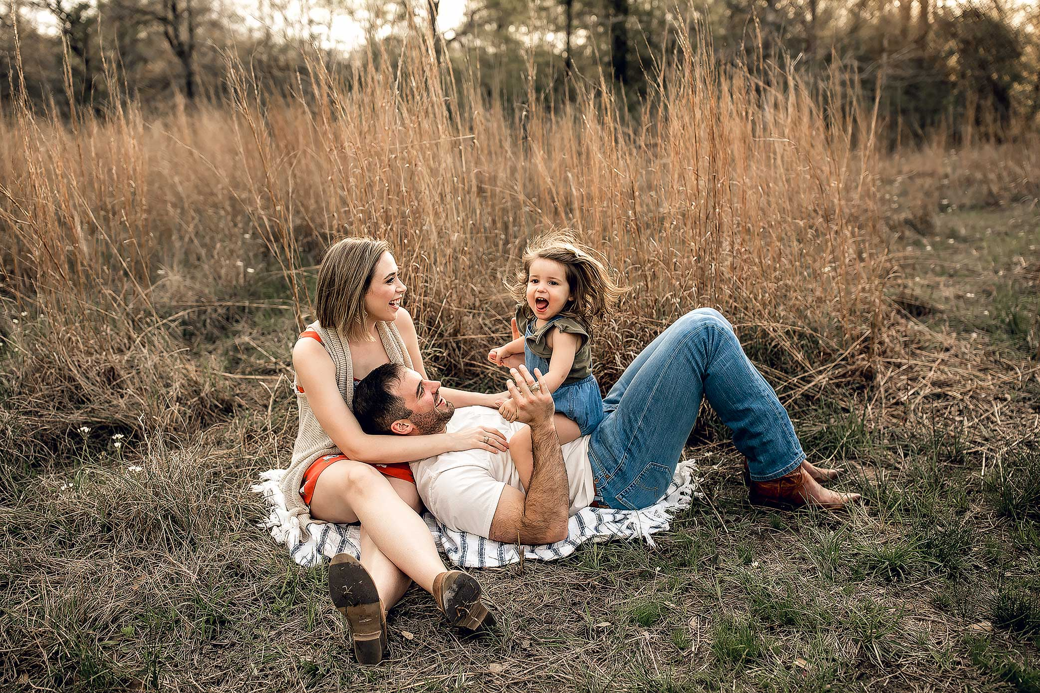 shelby-schiller-photography-sunset-family-pictures-spring-2019-9.jpg