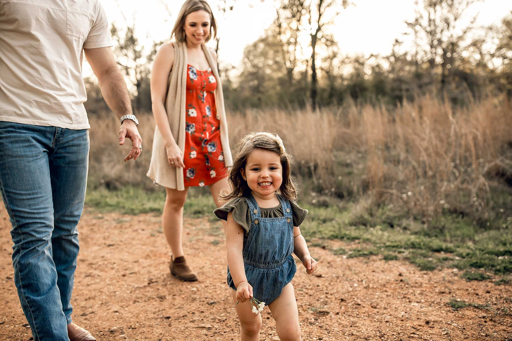 shelby-schiller-photography-sunset-family-pictures-spring-2019-26.jpg