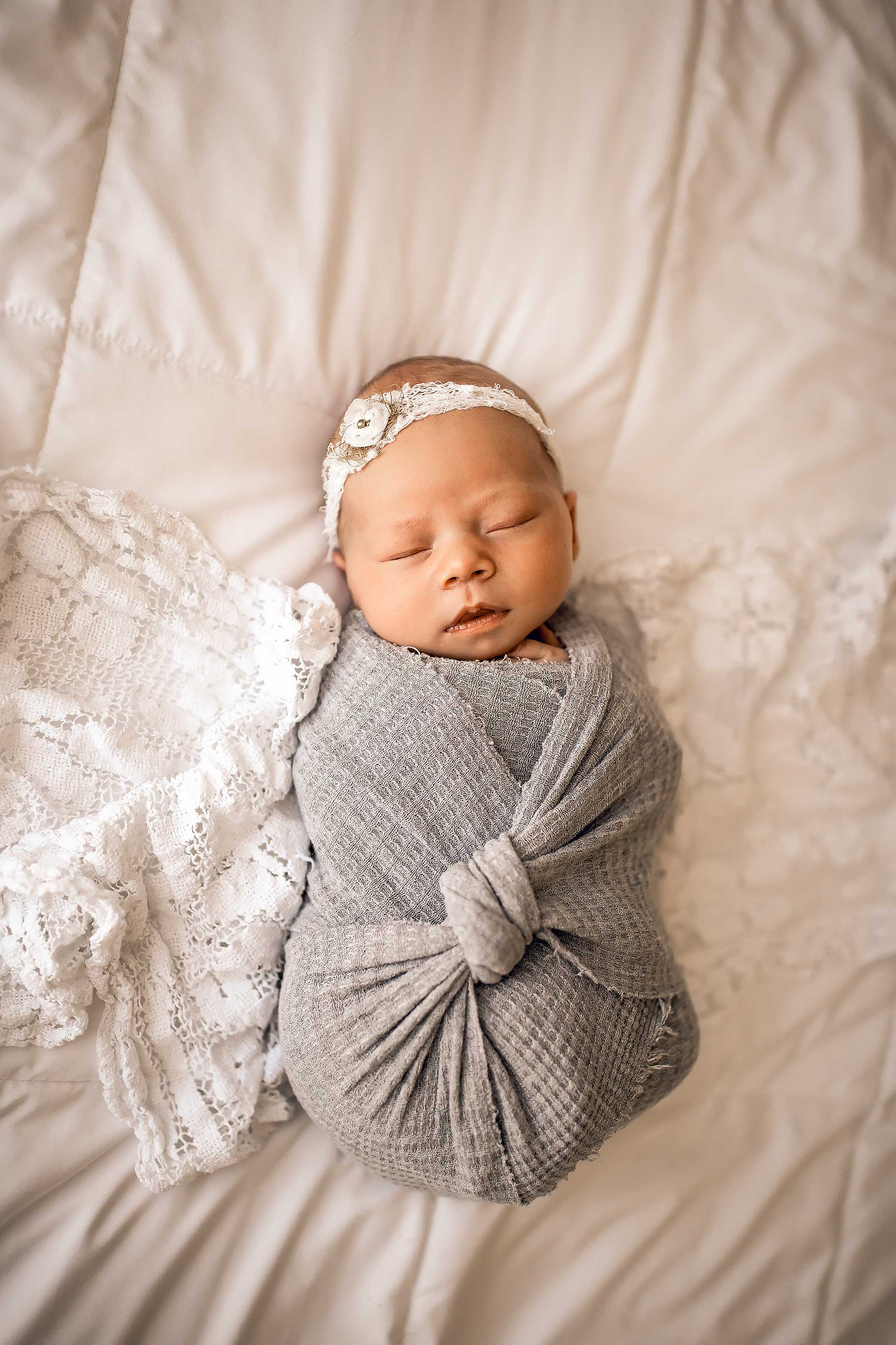 shelby-schiller-photography-studio-newborn-college-station-girl-38.jpg