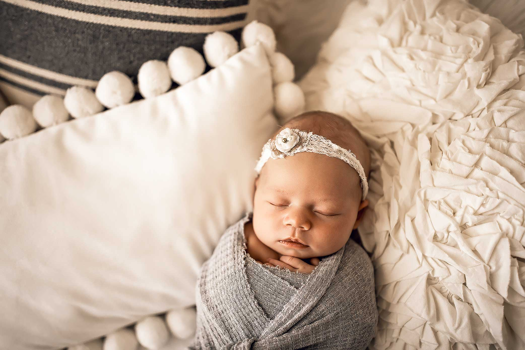 shelby-schiller-photography-studio-newborn-college-station-girl-40.jpg