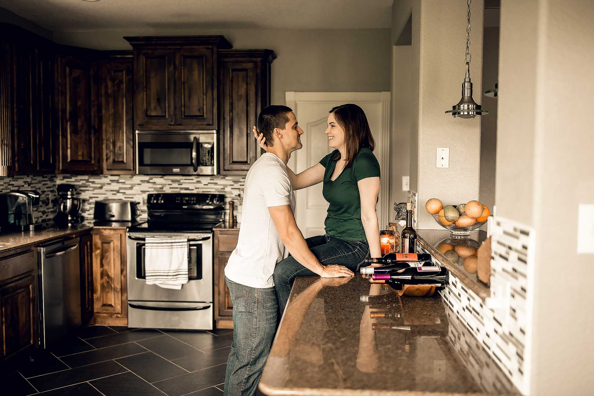 shelby-schiller-photography-lifestyle-home-couples-session-south-college-station-6.jpg