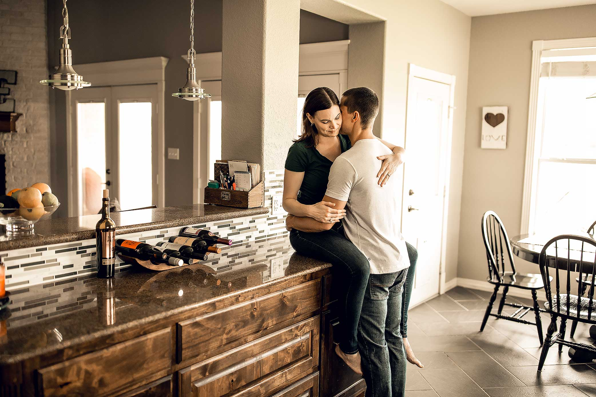 shelby-schiller-photography-lifestyle-home-couples-session-south-college-station-9.jpg