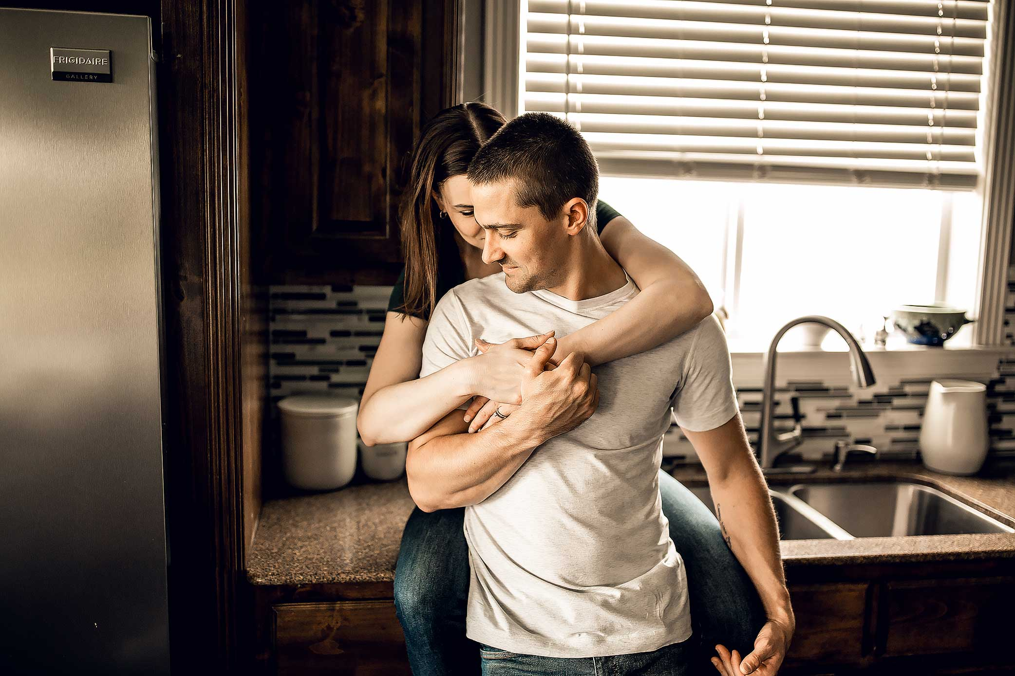 shelby-schiller-photography-lifestyle-home-couples-session-south-college-station-13.jpg