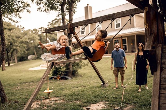 I absolutely LOVED this in-home lifestyle family session! It was seriously so much fun! Decided to end the session with some outdoor play time and super silly faces 💕. . . . . #collegestationphotographer #collegestationfamilyphotographer #collegestationfamilyphotography #collegestationlifestylephotographer #collegestationlifestylephotography #collegestationnewbornphotographer #collegestationnewbornphotography #collegestationmaternityphotography #collegestationmaternityphotographer #bcsmoms #aggieland #bryancollegestation #collegestationtx